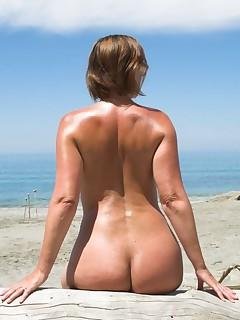 Mature beach porn sites