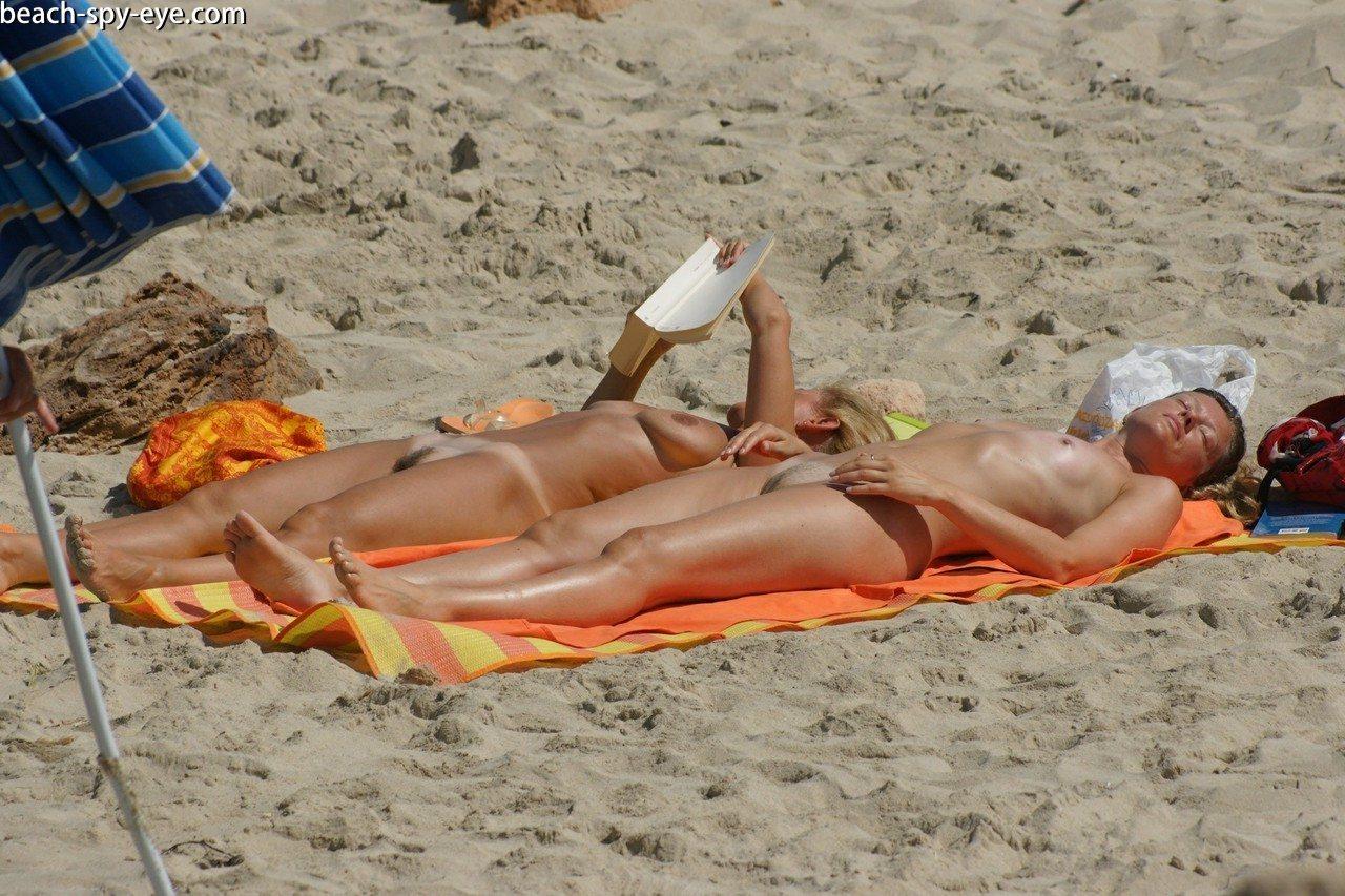 onlayn-kamera-nudistskiy-plyazh